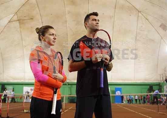 Tenis: Simona Halep - 2015 va fi un an competițional mai greu, pentru că am multe puncte de apărat și rezultate de refăcut – AGERPRES