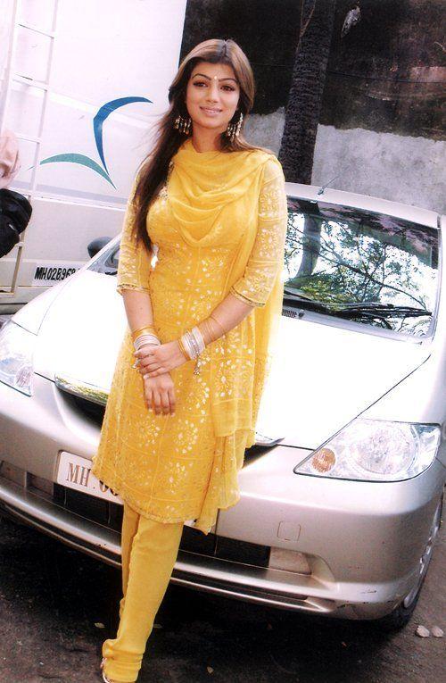 Ayesha Takia Images