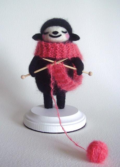 A knitting sheep! / needle felting
