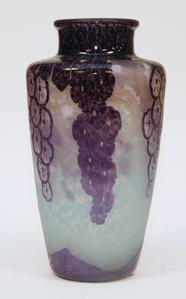 les 77 meilleures images du tableau vases we love sur pinterest vases art am ricain et art. Black Bedroom Furniture Sets. Home Design Ideas