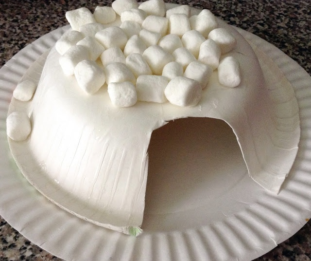 Marshmallow Igloo - sugar cube igloo - Easy rainy day craft...