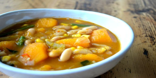 Porotos Granados con Pilco, un plato típico de nuestra Cocina Campesina Chilena. Estos son los Ingredientes y el Modo de preparación Paso a Paso.