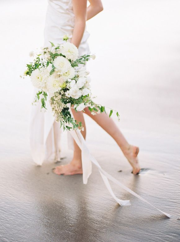 Deep Blue and White Seaside Wedding Inspiration | Sarah Kate & Joshua Aull