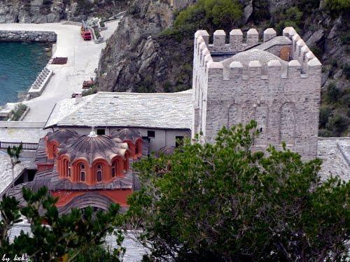 Ο πύργος της Μονής Διονυσίου στο Άγιον Όρος - The tower of Dionysiou Monastery on Mount Athos