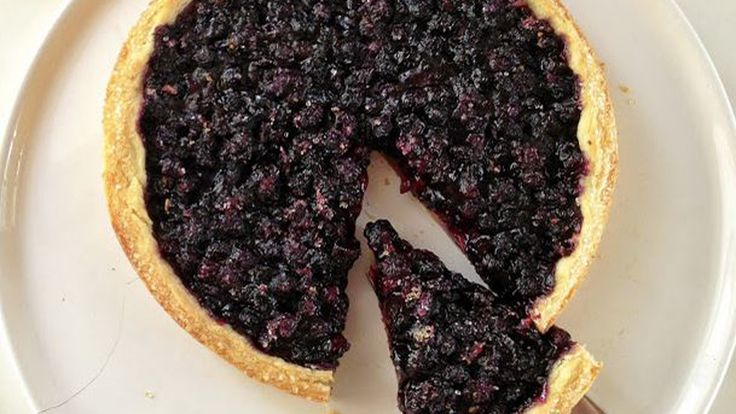 Gesine Bullock-Prado shares recipes for pavlova and a freeform blueberry pie that require just 5 ingredients outside of pantry staples.