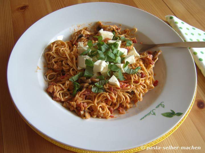 Spaghetti mit Schinken und Champignons