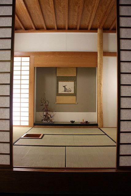 Traditional Japanese Interior. • i want my house to definitely have three of these tradional washitsu 和室 room! One for tea room, one for a guest room, and a huge washitsu one for a playroom for the kids; Such a must to have these washitsu rooms here...