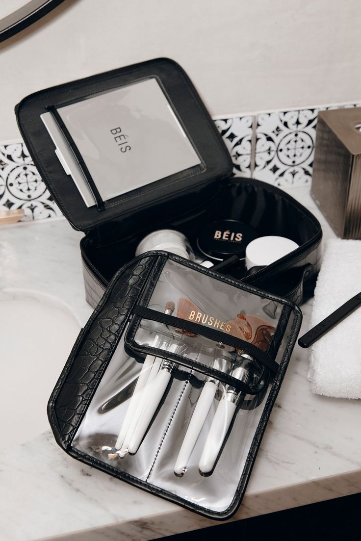 Beis Travel The Cosmetic Case in Black Béis Travel