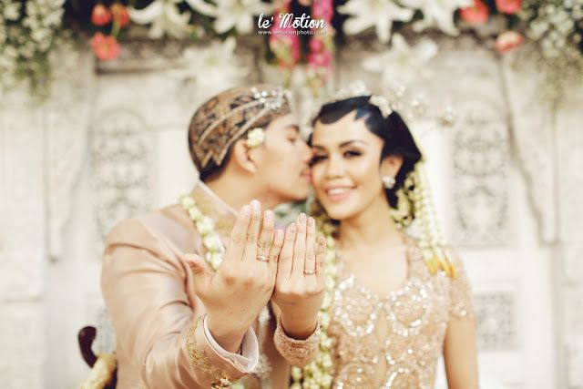 wedding day: Stephanie & Gilang Wedding (Akad & Resepsi adat Jawa)