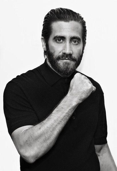 Jake Gyllenhaal Photos - SiriusXM's 'Town Hall' With Jake Gyllenhaal, Oona Laurence, and Miguel Gomez - Zimbio