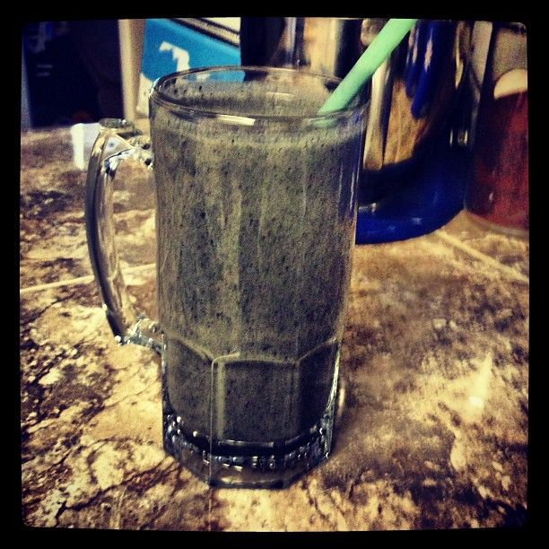 #healthiestmealoftheday cleaneats #greemberry #shakeology the perfect way to cool off #gettinfitwithjenn #livelean www. Shakeology.com/bionut