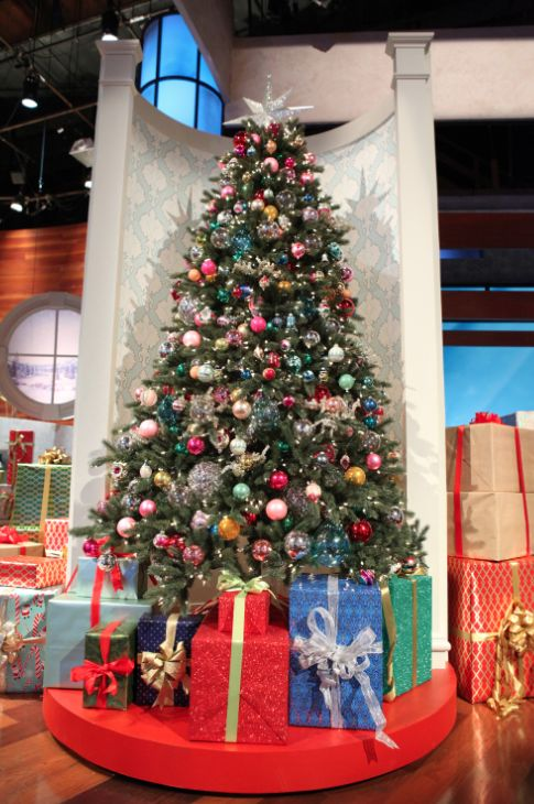 Here is another photo of our 12 DAYS OF GIVEAWAYS set! We hope you all really enjoy this one.