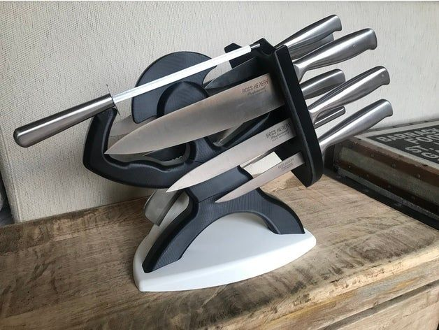 Hello Everybody I Had Bought A Professional Knife Set At The Last Black Friday Sale On Amazon Http Amzn Com B002zckibmthe Knive S In 2020 Knife Block Knive Set Knife