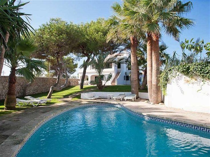 Schöne Ferienvilla mit großem Garten, Meerblick und Pool auf Menorca. - http://www.immobilien-mit-meerblick.de/property/ferienhaus-menorca-spanien/