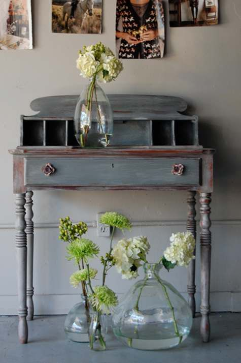 How to Dry Brush Paint Furniture (Before & After Basics on Design*Sponge) #DIY