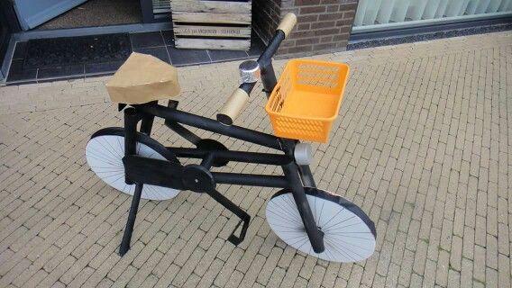Surprise fiets van karton