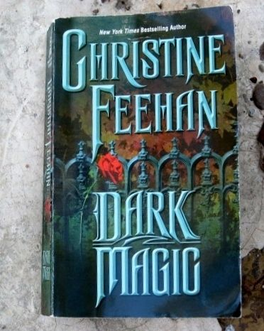 $3.00 Dark Magic The Carpathians Series Book 4 Christine Feehan Paranormal Romance vampires!