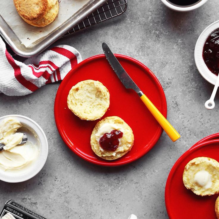 Check this out: Buttery Layered Buttermilk Biscuits. https://re.dwnld.me/5LSpn-buttery-layered-buttermilk-biscuits