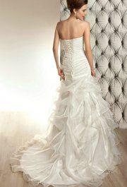 Wanda White esküvői ruhánk