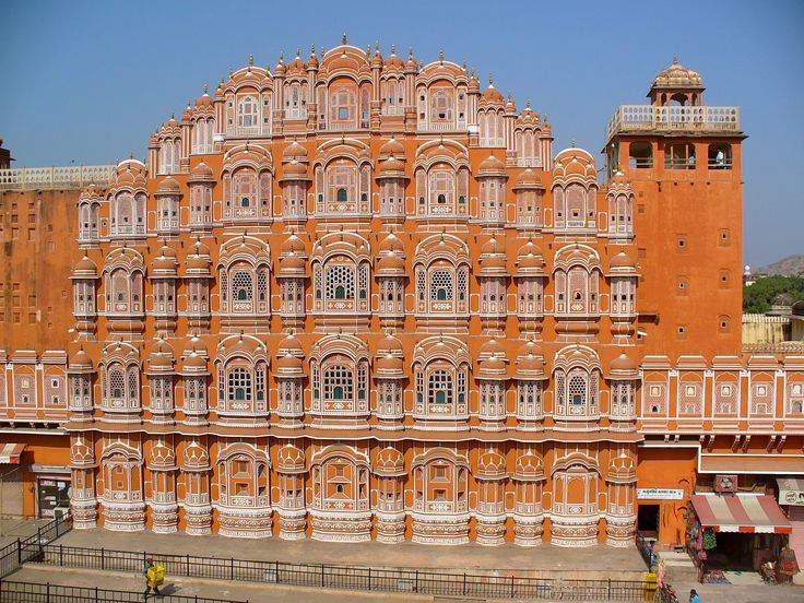 Looking For Cheap Flights to Jaipur from Dubai ?  Jaipur, India Jaipur Airport  : Jaipur International Airport is the primary airport serving Jaipur, the capital of the Indian state of Rajasthan.