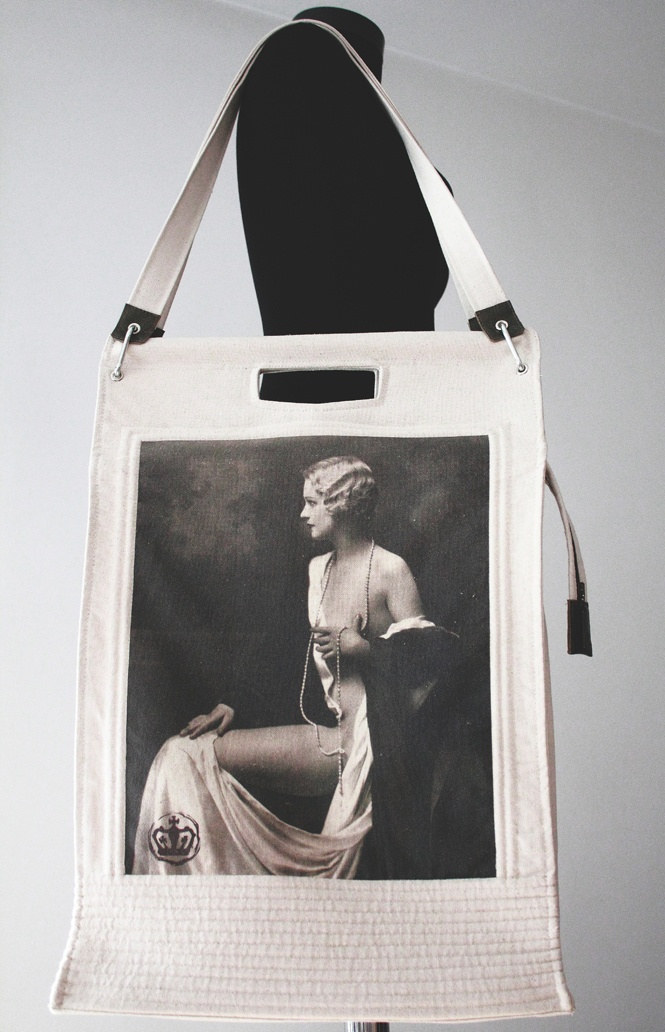 geanta de umar cu imprimeu vintage de razvandumitran Breslo