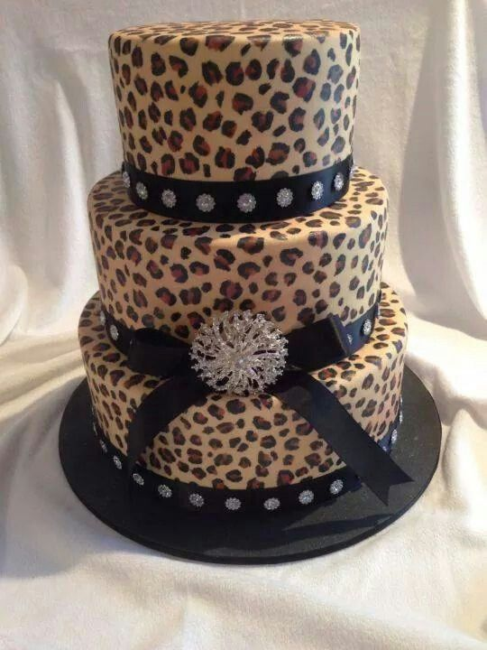 Awesome leopard cakes