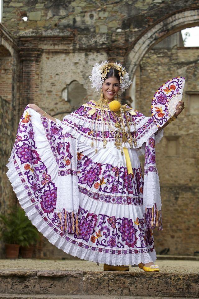 Traje nacional de mi espléndida Panamá National costume of my splendid Panama