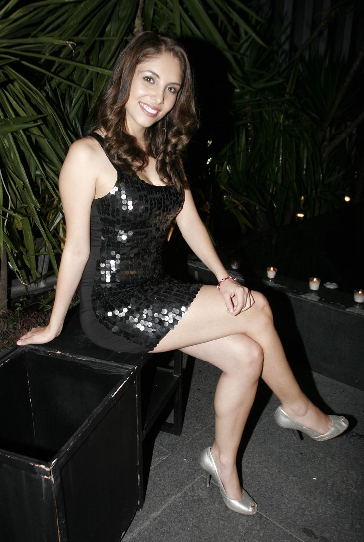 Very nice legs.... | Gloria Aura [124.2] {Mexico City ...