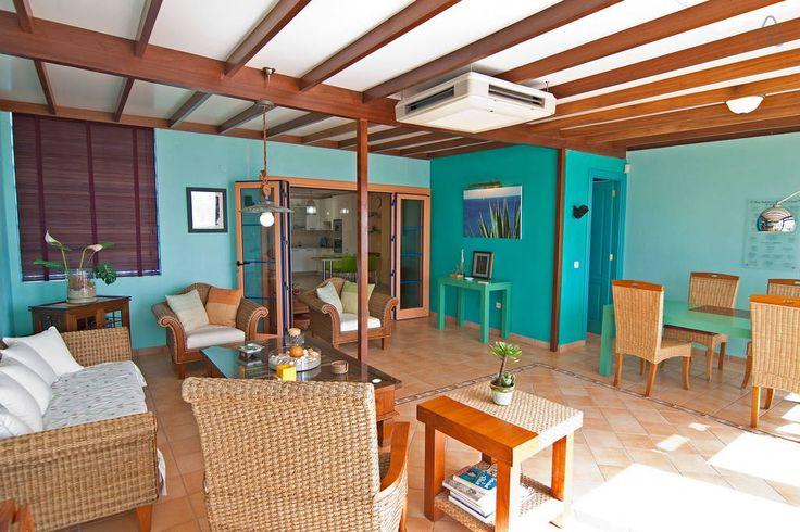 Échale un vistazo a este increíble alojamiento de Airbnb: Melville penthouse - Vista Oceano en Playa Blanca