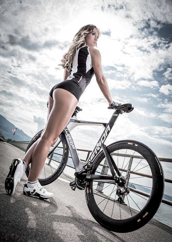 Naked girls on sportbike