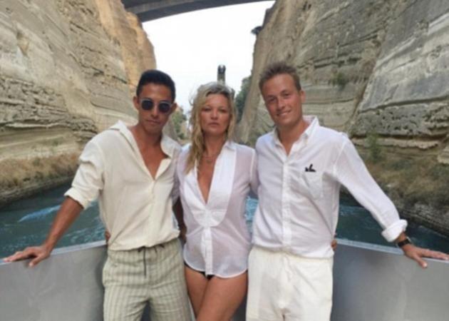 Kate Moss: Διακοπές στην Ελλάδα με πολυτελές γιοτ και... τον 29χρονο κούκλο φίλο της!