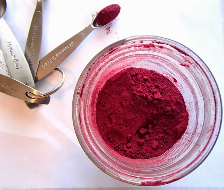 How to make beetroot powder! Add to smoothies, sauces, & dips!