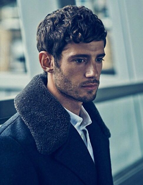 Julian Morris he is gorgeous <3