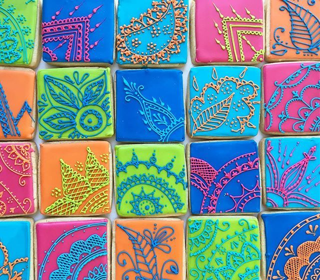 Curing the Monday blues by thinking about these beauties we did over the weekend! Mendhi inspired cookie party favours! Imagine having your henna design match your cookie😱 we LOVED this idea!  _____________________________________ #cookies #cookiemessenger #henna #mendhi #hennacookies #toronto #torontocookies #party #wedding by cookiemessenger. dessert #foodphotography #tastetoronto #gastropost #foodstylist #foodies #torontoblogger #wedding #cookies #eventplanner #party #marthabakes #blogto…