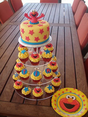 Elmo Design Birthday Cake : 17 Best ideas about Elmo Birthday Cake on Pinterest Elmo ...