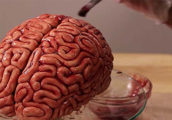 How to Make a Human Brain Shaped Cake for Upcoming Halloween