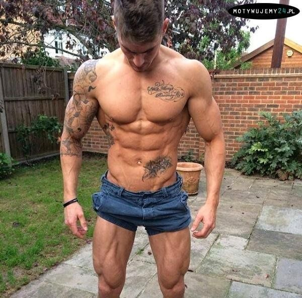 mhmmm ... #body #tattoo #tattoos #muscles #dream body #radiator