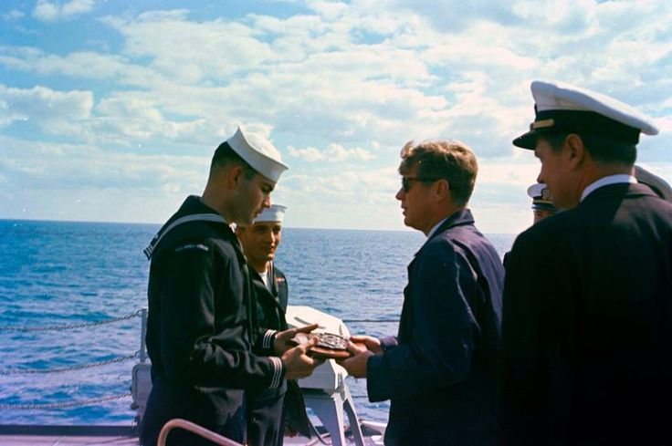 1963. 16 Novembre. Jfk aboard the USS Andrew Jackson