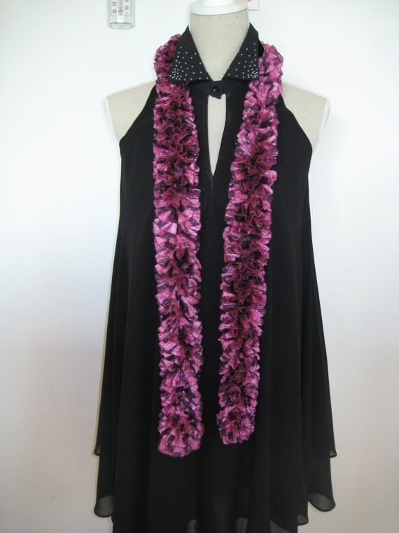 On Sale disc 50 Ruffle Scarf  Knitted Maroon by MinnieCreation, €19.32