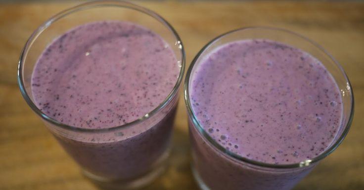 Viime viikolla join iltapalaksi joka päivä itsetehdyn marja/hedelmä smoothien. Tässä resepti mustikkarahka smoothieen. Varoitus - näihin jää...
