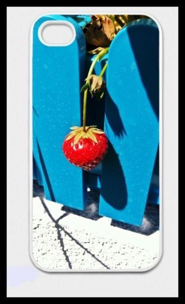 """iPhone-Hülle """"Erdbeere"""" von Art-MG auf DaWanda.com"""