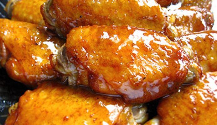 Surinaams eten – BBQ Caribbean Wings (Caribbean wings met avocado salade)