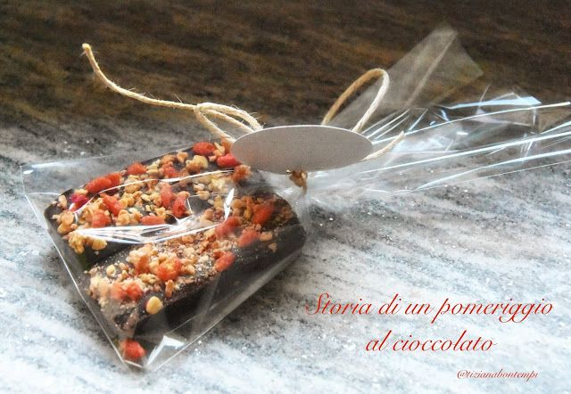 Profumo di broccoli: Barrette di cioccolato fondente con muesli ai frut...