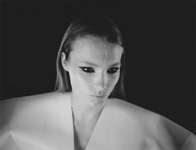 "FASHION CLIP FOR DARIZINE : - ""CHROMOPHOBIA -""  Styling: Sarah Zuloeta  Direction : Riccardo Bernardi"