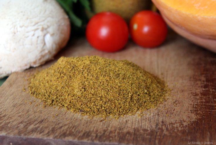 Ricetta con e senza Bimby del dado vegetale granulare in polvere. Dado a base di verdure, senza gluttamato. Insaporire i vostri piatti in modo salutare