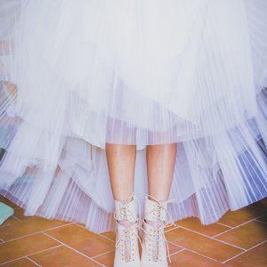 #shoes #weddingdetails #weddingphoto #bride #gettingready