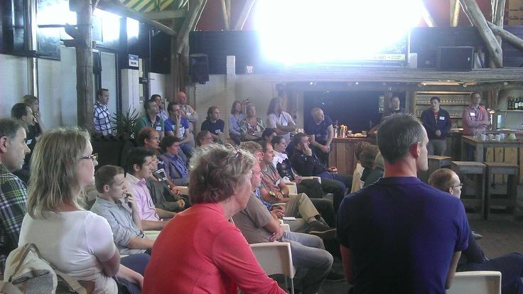 Het publiek luisterde aandachtig naar de diverse sprekers en sessies.