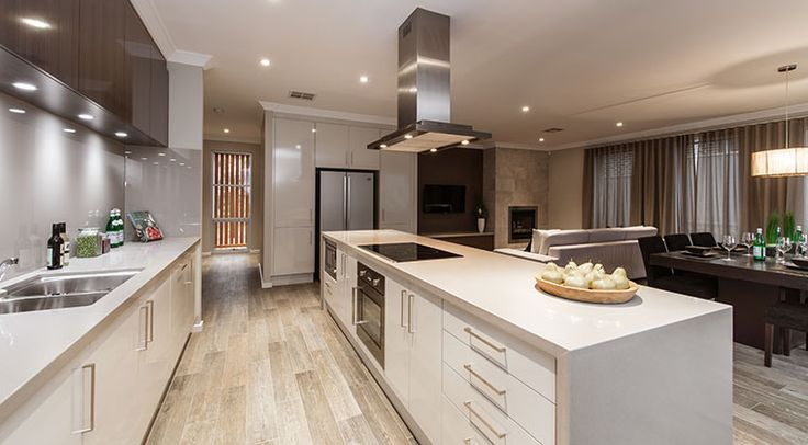 This spacious kitchen will be a delight for the gourmet chef and avid home cook alike. #kitchen