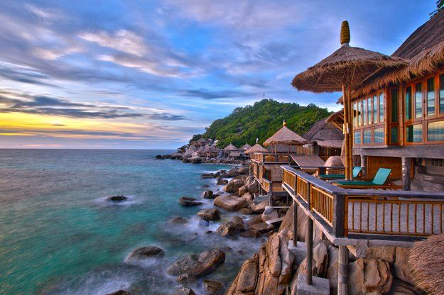 Hotel review: Bamboo Huts Koh Tao. Looking for a hidden gem in Thailand? Somewhere to fully enjoy your holiday? Relax with your partner? Unwind from stressful corporate life? Then this hotel might be something for you…