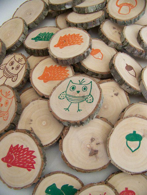 Groot zelfbeschilderd memory spel op houtplakken, om samen buiten te spelen. Sam en Pam spelen graag memorie. Dit spel kan mee naar buiten. Leuk om samen met de kinderen te maken eventueel gekoppeld aan het thema.